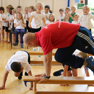sportivater Paul Reeve demonstrating exercise